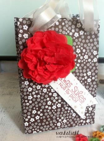Stanz und Falzbrett für Geschenktüten, Designerpapier neutralfarben, Stampin´Up!, Baumwollpapier, Kreativ und selbstgemacht, Fähnchenstanze